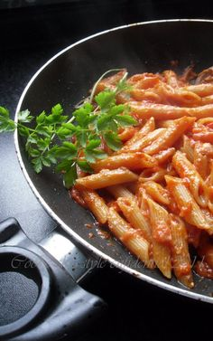 PENNE AL POMODORO / tomato sauce penne cooked in risotto style