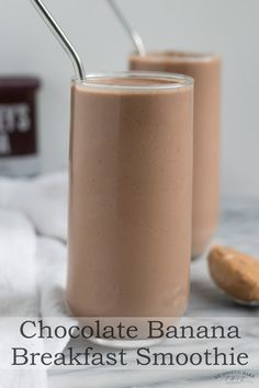 Easy Chocolate Banana Smoothie - made with almond milk yogurt and peanut butter this chocolate shake will keep you satisfied and is a perfect post workout recovery smoothie breakfastsmoothie chocolatepeanutbuttersmoothie recoverysmoothie weshouldmakethis Banana Smoothie Bowl, Chocolate Peanut Butter Smoothie, Strawberry Banana Smoothie, Peanut Butter Banana, Fruit Smoothies, Breakfast Smoothies, Smoothie With Coffee, Smoothie With Dates, Healthy Coffee Smoothie