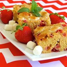 """Strawberry-Marshmallow Blondies 