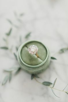 Vintage engagement rings 187110559505338457 - The Most Incredible Heirloom Engagement Rings: Victor Barbone Engagement Solitaire, Classic Engagement Rings, Beautiful Engagement Rings, Engagement Ring Settings, Engagement Box, Solitaire Diamond, Swarovski, Schmuck Design, Ring Verlobung