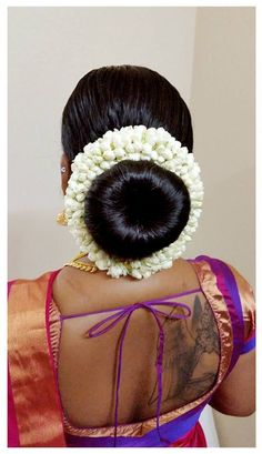 Wedding Day Makeup, Bridal Makeup Looks, Indian Bridal Makeup, Hair Wedding, Indian Long Hair Braid, Braids For Long Hair, Indian Makeup Face, Makeup Face Charts, Bridal Hair Buns
