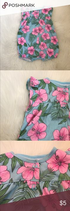 Hawaii print romper In good condition. Size 18months. Has some yellowing at the neck but in person is hardly noticeable. Carter's Other