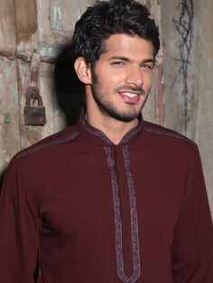 Edenrobe new men shalwar Kameez designs collection 2020 is out. Check the latest Designers' shalwar Kameez, waistcoats, and new kurta designs by Endenrobe. Mens Shalwar Kameez, Kurta Men, Pathani Kurta, Boys Kurta Design, Pakistani Kurta, Kurta Style, Mens Kurta Designs, Winter Outfits Men, Winter Clothes