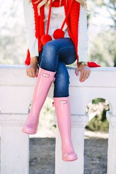 Hunter gummistiefel What Do The Insulated Flame Resistant Work Uniforms Actually Contain? Pink Hunter Boots, Hunter Boots Outfit, Hunter Rain Boots, Pink Boots, Wellies Rain Boots, Fur Boots, Mckenna Bleu, Rain Wear, Lady