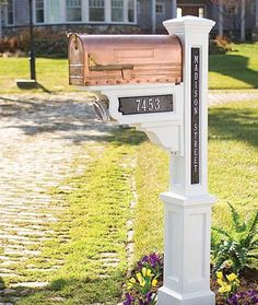 Google Image Result for http://www.decor-medley.com/image-files/decorative-mailboxes-copper-mailbox.jpg