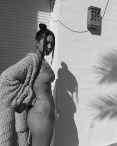 Girl Endless summer Summer fashion Summer vibes Summer pictures Summer photos Summer outfits February 29 2020 at Body Inspiration, Fitness Inspiration, Amanda Khamkaew, Mode Instagram, Summer Body Goals, Mädchen In Bikinis, Insta Photo Ideas, Summer Photos, Body Motivation