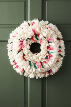 Christmas Plates, Christmas Wreaths, Christmas Crafts, Christmas Decorations, Christmas Sewing, Retro Christmas, Winter Christmas, Winter Holidays, Holiday Ornaments