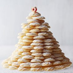 Coconut Spritz Cookies A rich and crisp confection, we've stacked ours into a gorgeous cookie tree. Brownie Cookies, Chocolate Chip Cookies, Cookie Bars, Tree Cookies, Yummy Cookies, Spritz Cookie Recipe, Spritz Cookies, Cookie Recipes, Dessert Recipes
