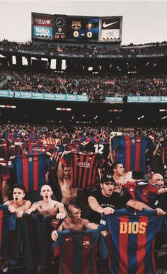 Barcelona Team, Barcelona Football, Fc Barcelona Wallpapers, Premier League, Leonel Messi, Legends Football, Soccer Pictures, Messi 10, Cute White Boys