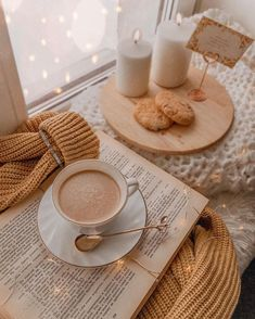 books and coffee wallpaper - books and coffee ; books and coffee aesthetic ; books and coffee quotes ; books and coffee photography ; books and coffee wallpaper ; books and coffee tattoo ; books and coffee drawing ; books and coffee wallpaper iphone Cozy Aesthetic, Brown Aesthetic, Autumn Aesthetic, Aesthetic Vintage, Home Bild, Pause Café, Coffee Photography, Photography Books, Lifestyle Photography