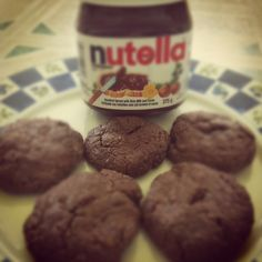 Homemade nutella sugar-free cookies: 1 cup nutella, 1 cup flour, 1 egg. Blend well.