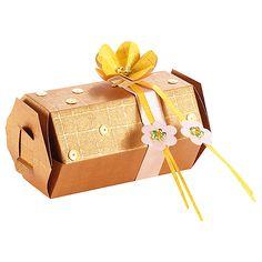 Eleganckie pudełko z papieru DIY  http://www.mojebambino.pl/ozdobne-papiery-tektury-bibuly/223-papier-wytlaczany-kratka.html
