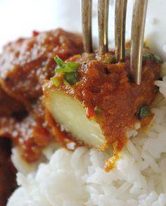 Recette de curry indien Aloo vindaloo en vidéo - Cuisine vegetarienne et recettes indiennes video