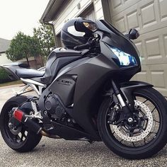 Black Honda CBR