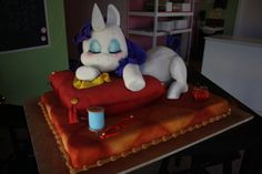 Rarity cake! I squeed!