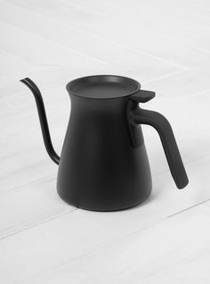 Discover the latest collection from Kinto at Couverture & the Garbstore. Shop the Pour Over Kettle online now. Pour Over Kettle, Christmas Gift Guide, Kitchen Dining, Kitchen Appliances, Home, Gourmet, Kettle, Diy Kitchen Appliances, Home Appliances