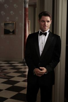 Pin for Later: If You Aren't Crushing on Sam Page, You Should Be Let's not forget this dressed-up moment, either. Gossip Girls, Gossip Girl Quotes, Gossip Girl Fashion, Sam Page, Spoiler Alert, Gorgeous Men, Beautiful People, Charming Man, Film Serie