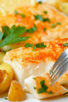 Baked Cod - juicy, moist and easy baked cod recipe in a jiffy. This recipe calls for only a few ingredients and tastes s Baked Haddock Recipes, Baked Salmon Recipes, Seafood Recipes, Basa Fish Recipes, Best Cod Recipes, Healthy Recipes, Snack Recipes, Cod Fillet Recipes, Flounder Recipes