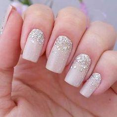 - unha chique nude com glitter para noiva Love Nails, Pretty Nails, My Nails, Homecoming Nails, Prom Nails, Homecoming Queen, Bridal Nails, Wedding Nails, Fashion Nail Art