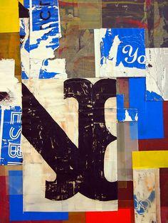 kleur: primaire en tertiaire, hierdoor kleurcontrast, heldere kleuren tegenover 'vuile' kleuren  licht/donkercontrast  materiele elementen: collage, decollage, gedeeltelijk overschilderd karton