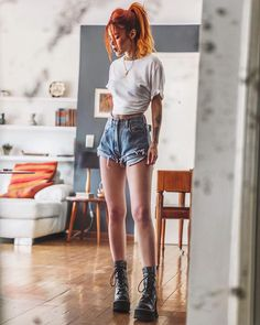♥ 25 rocker chic winter outfits you will love 1 Grunge Outfits, Edgy Outfits, Cool Outfits, Fashion 90s, Grunge Fashion, Fashion Outfits, Womens Fashion, Fashion Online, Fashion Shorts