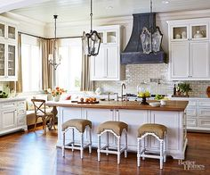 Rustic relics and fine-tuned finishes combine fashions to create tres-chic kitchens with French influence. These pretty Parisian-inspired spaces present chef-friendly conveniences in sophisticated old-world forms.