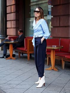 2b572226e96b80 how to wear blue stripes shirt streetstyle berlin blogger style Blogger  Style