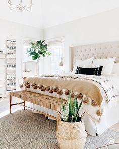 Room Ideas Bedroom, Home Decor Bedroom, Bed Room, Bedroom Designs, Cream Bedroom Decor, Master Bedroom Furniture Ideas, Eclectic Bedroom Decor, Adult Bedroom Ideas, Cozy Master Bedroom Ideas
