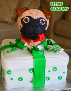 Pug Cake in a Gift Box All Holidays, Holidays And Events, Pug Cake, 3d Dog, Cake Decorating, Decorating Ideas, Decorated Cakes, Fondant Cakes, Pugs