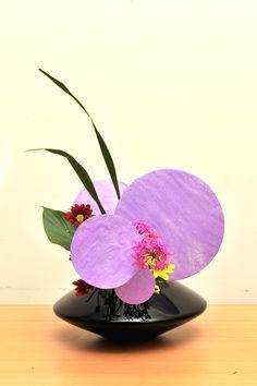 Ikebana ikenobo flower arrangement by Herligianti jiyuka. Indonesia