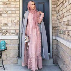 """419 Likes, 3 Comments - Hijab Fashion (@nebemagazine) on Instagram: """"@firrrr_ #nebemagazine"""""""