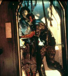Ripley and Cpl. Aliens 1986, Aliens Movie, Alien Movie Series, Aliens Colonial Marines, Xenomorph, Character Costumes, Httyd, Dark Horse, Jurassic Park