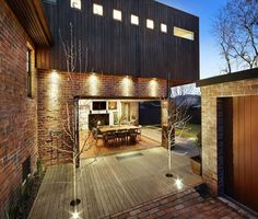 Exposed brick walls, timber cladding, 1930s style and a lemon tree… » glamour drops