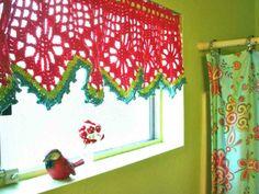 gardinen häkeln frisches muster rot grün