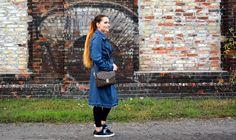 Stylizacja z jeansowym płaszczem