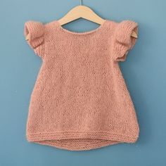 "diy_crafts-Pusetopp (norwegian and english version) ""Pusetopp (norwegian and english version) Baby Knitting Patterns"", ""Ravelry: Pusetopp patt Baby Cardigan, Knit Baby Dress, Knitted Baby Clothes, Baby Knits, Baby Knitting Patterns, Knitting For Kids, Baby Patterns, Crochet Baby, Knit Crochet"