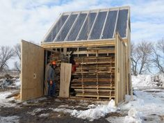 Solar Holztrockner - Tools and Workshop Ideas - Deneme 1 Lumber Mill, Wood Mill, Lumber Storage, Wood Storage, Into The Woods, House In The Woods, Woodworking Wood, Woodworking Projects, Chainsaw Mill Plans