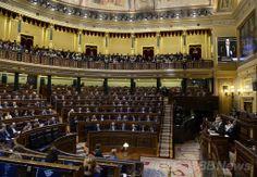 スペインのカタルーニャ(Catalonia)自治州が提出した分離独立の是非を問う住民投票実施の請願を審議中のスペイン議会(2014年4月8日撮影)。(c)AFP ▼9Apr2014AFP|スペイン議会、カタルーニャの独立問う住民投票実施の請願を否決 http://www.afpbb.com/articles/-/3012024 #Spain #Espana