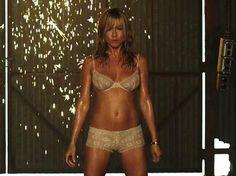 Una 'stripper' llamada Jennifer Aniston La actriz de 44 años presume de unas curvas de infarto en su última película, 'We're The Millers'.