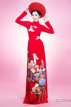 Dành cho cô dâu thích phong cách truyền thống, đơn giản, NTK Minh Châu giới thiệu những mẫu áo sử dụng chất liệu và họa tiết quen thuộc, lấy cảm hứng từ mùa xuân. -  Ngôi sao
