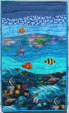 Colgante de pared de Quilt Art bajo el mar por MoranArtandQuilts