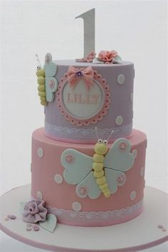 Sugarpaste cake girl butterfly lila pink dots