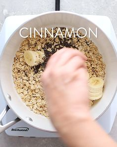 The ultimate healthy breakfast recipe, this peanut butter banana oatmeal is creamy, voluminous and will keep you full all morning long! Plus it only takes about 10 minutes to make. Each bowl has around 370 calories, 17 grams of fiber (woot!), and 11 grams Healthy Breakfast Recipes, Healthy Snacks, Breakfast Ideas, Healthy Protein, Healthy Oatmeal Breakfast, Healthy Oatmeal Recipes, Oats Recipes, Breakfast Bake, Protein Recipes