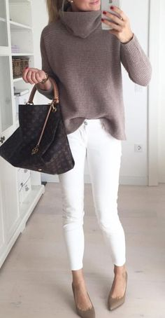 25 cozy winter outfits with sweaters #casualwinteroutfit