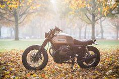 ϟ Hell Kustom ϟ: Moto Guzzi 2014 By Karoo Tailored Motorcycles Moto Guzzi, Guzzi V7, Bobber Custom, Custom Bikes, Bike Sketch, Bmw K100, Moto Cafe, Street Tracker, Moto Style