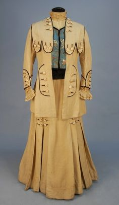 Lot:628: HEAVY SILK WALKING SUIT with UNUSUAL TRIM, EARLY 2, Lot Number:628, Starting Bid:$350, Auctioneer:Charles A. Whitaker Auction Co., Auction:628: HEAVY SILK WALKING SUIT with UNUSUAL TRIM, EARLY 2, Date:05:00 AM PT - Apr 23rd, 2011