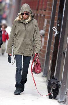 Sienna Miller - Sienna Miller Walking Her Dog In New York