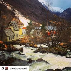 Vil tilbake til Geiranger. #reiseliv #reisetips #reiseblogger #reiseråd  #Repost @elinejacobsen1 with @repostapp  Vår i Geiranger #fotocatchers #photo_smiles_world #vip_world_photo #geiranger #wings_world #dreamynorway #norway2day #reiseradet #norway_photolovers #9vaga_naturemiracles9 #fotofanatics_nature_