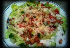 Cézár-féle saláta ahogy Szandi készíti recept képpel. Hozzávalók és az elkészítés részletes leírása. A cézár-féle saláta ahogy szandi készíti elkészítési ideje: 30 perc