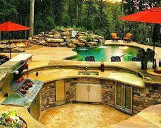 wow! what a stunning backyard!